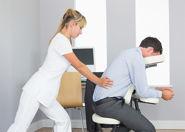 3 reasons office workers need a massage
